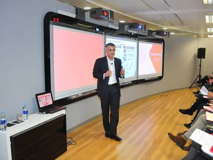 Vodafone investe sulle imprese, nasce Experience Center