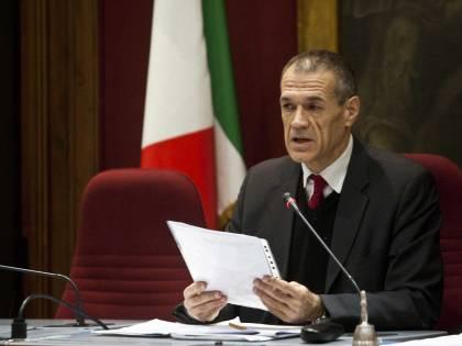 Cottarelli presenta il piano per tagliare 7mila partecipate