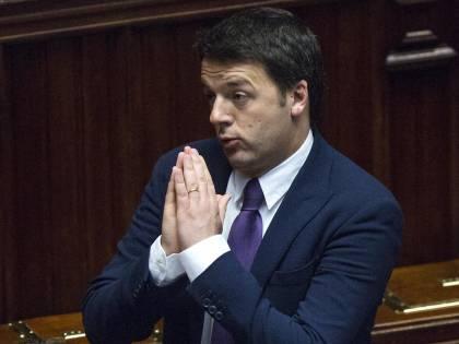 """Province, il voto in Senato passa sul filo. Renzi: """"Via l'indennità a 3mila politici"""""""
