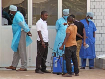 Ebola e Tbc sbarcano con gli immigrati