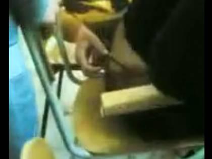 La prof in perizoma si fece toccare dagli studenti. Si va verso l'archiviazione