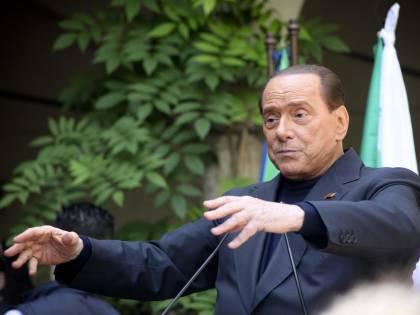 """Berlusconi: """"Siamo disgustati, volevano colonizzarci"""""""