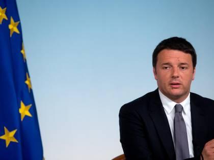 """Renzi si gode i festeggiamenti: """"Ora dobbiamo fare le riforme"""""""