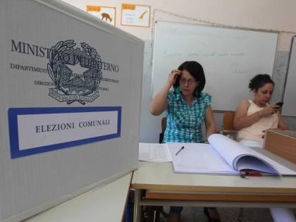 Un italiano su due vuole elezioni anticipate