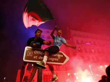 Ottavi Algeria e in Francia è alert disordini Nizza vieta le bandiere straniere