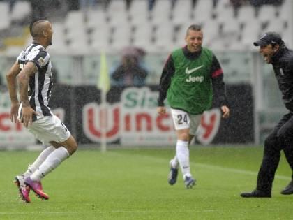 """Conte """" Giù le mani da Vidal!"""", è freddezza tra Juve e allenatore"""