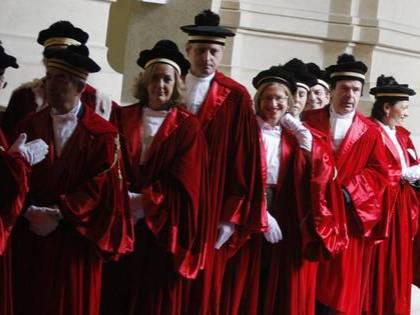La Cassazione: le controversie sulla legge Severino spettano al giudice
