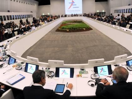 """L'appello di 101 economisti: """"Governo non firmi accordo all'Eurogruppo"""""""