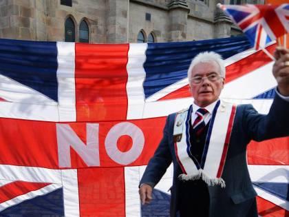 """La regina minaccia gli scozzesi:  """"Pensateci bene prima di votare"""""""