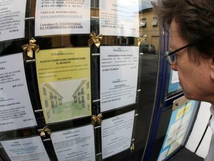 Italiani sempre più morosi. Colpa delle tasse e della crisi