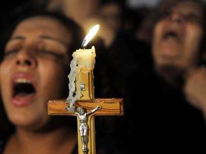 """Egitto, cristiani in fuga dall'Isis: """"Ora vogliono il nostro sangue"""""""