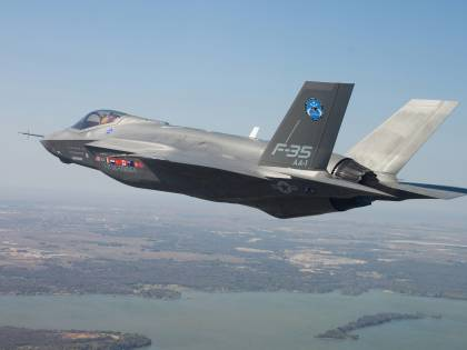 Il caccia F35 vietato ai piloti magri