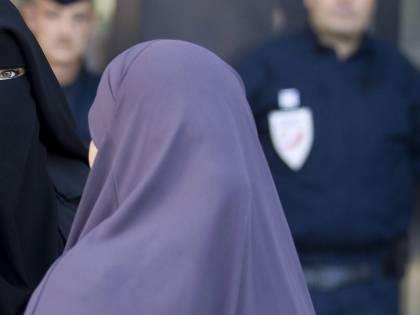 """La conversione di Nadine da Milano alla jihad: """"Voglio uccidere gli infedeli"""""""
