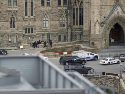 Parlamento canadese sotto attacco. Ecco il video della sparatoria