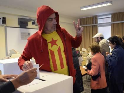Catalogna al voto sognando l'indipendenza: prova di forza con Madrid