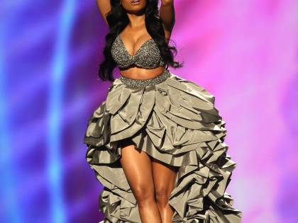 Nicki Minaj, padrona di casa dai mille costumi