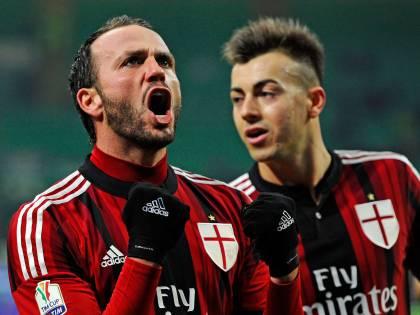 Il Milan riscopre Pazzini, ma passa con De Jong