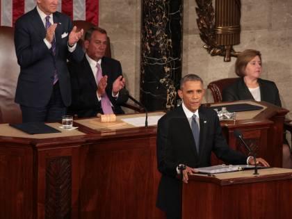 """Obama: """"Crisi superata, voltiamo pagina"""". E chiede i pieni poteri contro il terrorismo"""