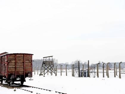 Riccardo Pacifici e David Parenzo bloccati nel campo di Auschwitz