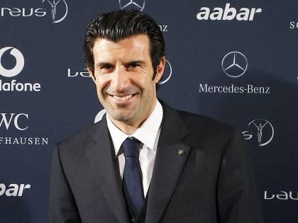"""L'annuncio di Figo: """"Mi candido alla presidenza Fifa"""""""