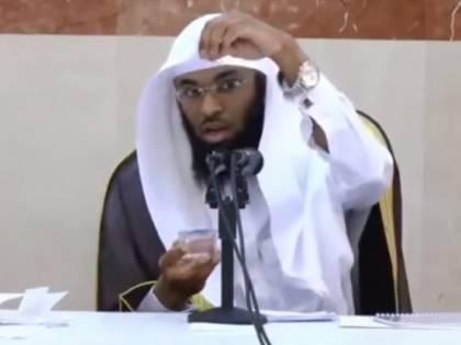 """Il teologo dell'islam: """"Il Sole ruota intorno alla Terra"""""""