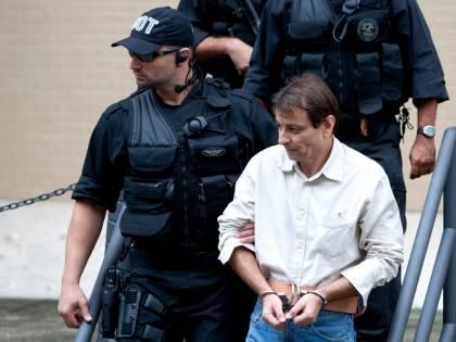 La Corte Suprema brasiliana decide che Battisti può essere estradato