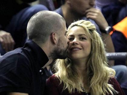 Brutte notizie per Piqué e Shakira: svaligiata la villa in Spagna