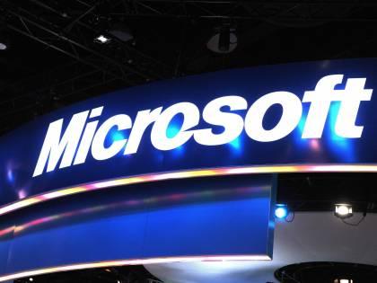 Microsoft vende meno, ma i ricavi crescono oltre le attese