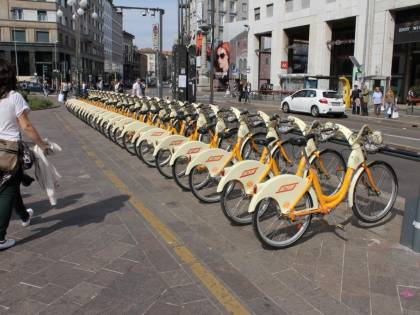 Crollo per taxi e bike sharing. A Malpensa 2.388 passeggeri