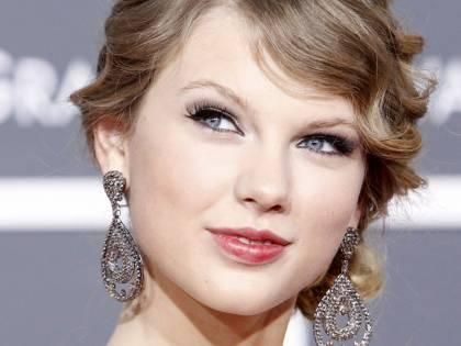 Taylor Swift dona un milione di dollari per l'alluvione in Louisiana