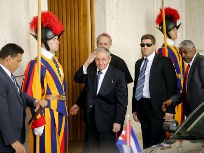 Raul Castro incontra Papa Francesco
