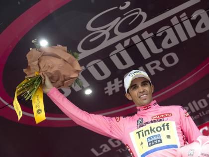 Ciclismo, Alberto Contador annuncia il ritiro a 35 anni