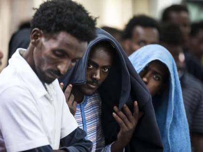 Migranti, Padoan vuota il sacco: nel 2015 ci costano 3,3 miliardi