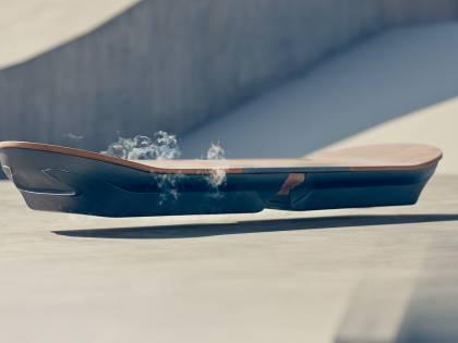 L'hoverboard di Lexus? Niente bufale, funziona