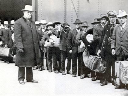 """Anche gli emigrati italiani dicono """"no"""" ai profughi"""