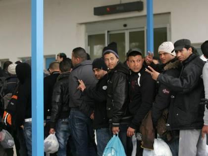 L'accoglienza dei profughi ci costa due miliardi di euro