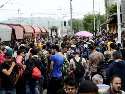 Il Pd vuole importare 40 milioni di immigrati per pagarci il welfare