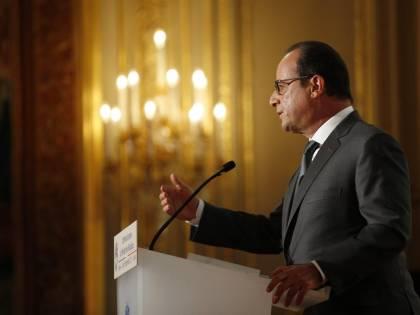 """Hollande messo in crisi dalla sua """"gauche"""""""