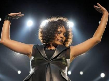 """""""Whitney Houston poteva salvarsi: doveva confessare di essere lesbica"""""""