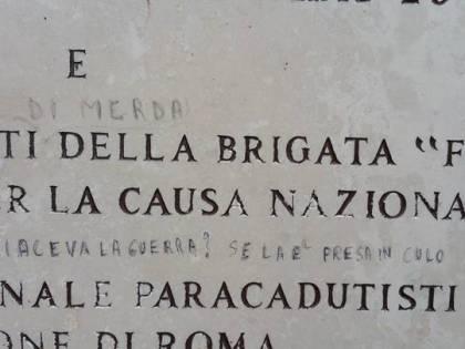 Roma, sfregiata la lapide di David Tobini