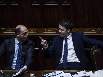 Dopo aver tagliato ai disabili, Renzi regala un miliardo ai richiedenti asilo