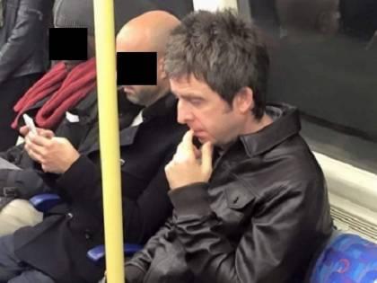 Noel Gallagher duetta con gli U2 e va al concerto in metropolitana