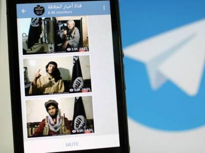 Oscurati i canali dell'Isis, ma le chat restano schermate