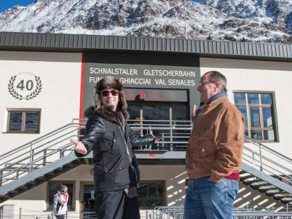 J AX e Bianca Atzei, musica sul ghiacciaio in Val Senales