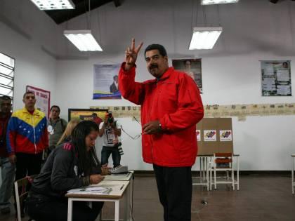 """""""Maduro spende 400mila dollari per il compleanno di Fidel Castro"""""""