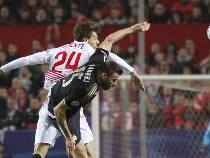 Un gol dell'ex Llorente stende la Juve a Siviglia