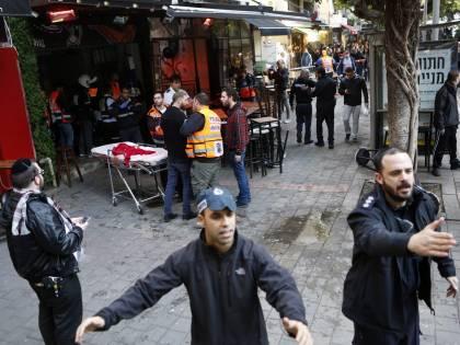Comincia il 2016 del terrore: agguato e due uccisi a Tel Aviv