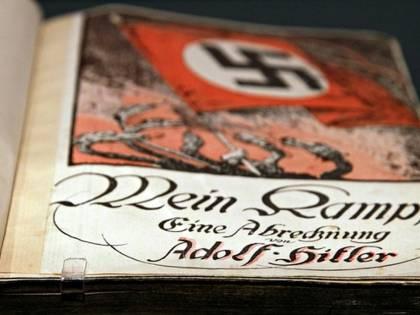 Minecraft confuso con Mein Kampf. E il nonno lo regala per Natale al nipote