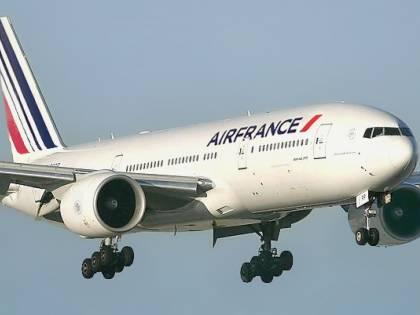 """Allarme sui Boeing 787: """"Motori difettosi"""": allarme sui voli"""