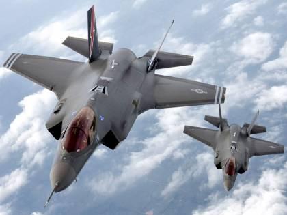 """""""L'F-35 costa troppo"""". Ora l'America ordina il riesame sull'aereo"""